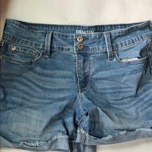 Women's Shorts Levi's Size 8 Denizen